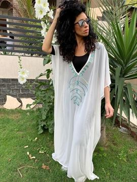 Picture of Abaya Off white with Nubian beaded Shape