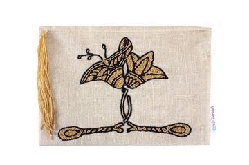 Picture of Another take on the embroidered lotus flower... L 21 * w 31 cm
