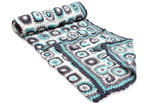 Picture of COTTON BLANKET (Grey & White squares with a touch of pistache)  SIZE: 2*160CM (CUSTOMIZABLE)