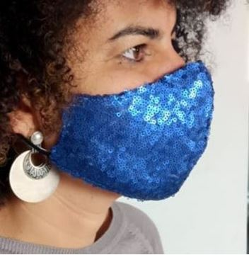 Picture of V-shaped sequin mask in blue with 2 layers fabric (1 layer sequin/1 layer cotton) + a filter in the middle