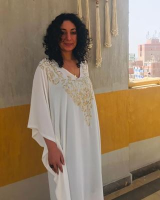 Picture of White Abaya with gold beads