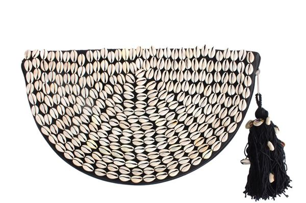 Picture of Half circle clutch with shells. L 21 * W 41