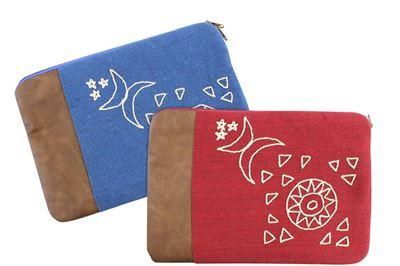 Picture of Nubian design laptop case in blue